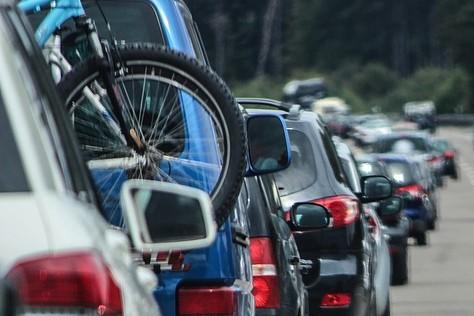 """Korkowy """"okrągły stół"""". Są pomysły na buspasy, wypożyczalnię rowerów i jazdę po moście kolejowym"""