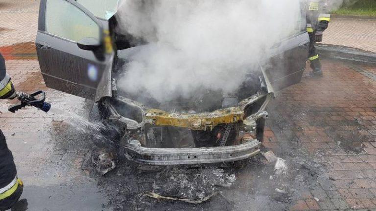 Nowy Sącz: na parkingu spłonęła taksówka