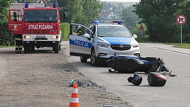 Motocyklista w szpitalu po zderzeniu z osobówką w Łęce