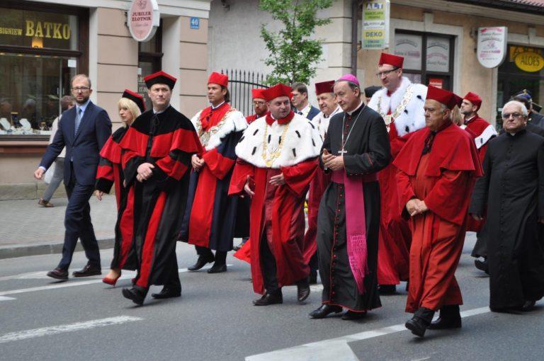 Sto lat dla sądeckiej PWSZ! Uczelnia świętuje dwudzieste urodziny