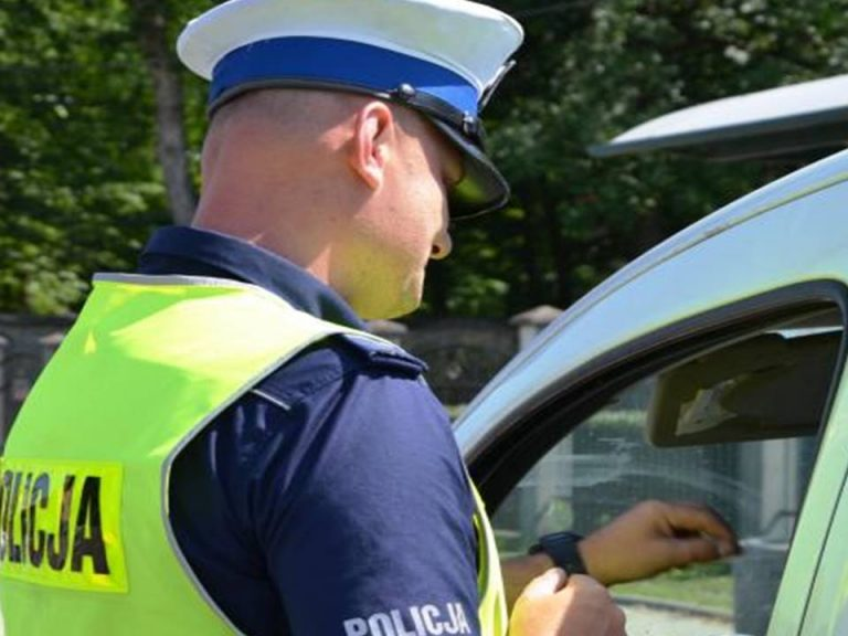 Jedna śmierć, osiem osób rannych – oto bilans długiego weekendu na sądeckich drogach