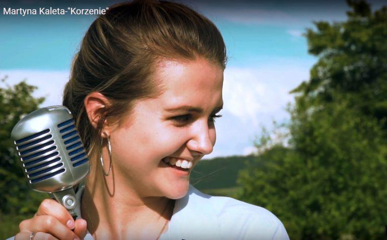 Martyna Kaleta śpiewająco przekonuje: wróć do korzeni, spełniaj marzenia!
