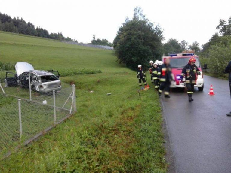 Dramatyczny wypadek. Nie żyje 18-latka. Kierowca uciekł?