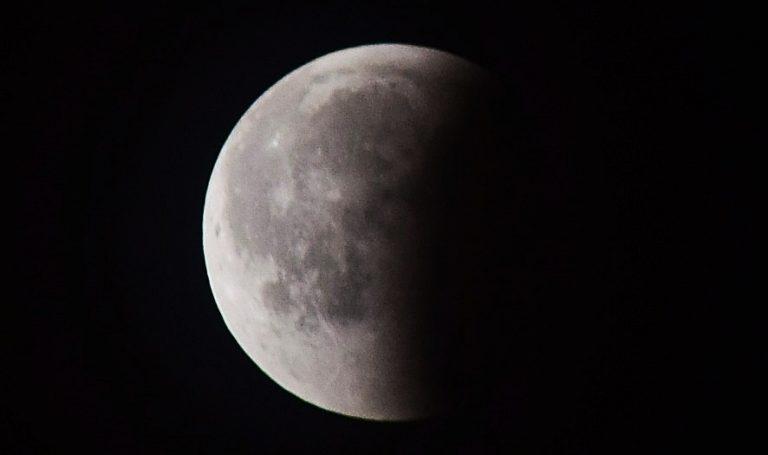 [Zdjęcia] Magiczne zaćmienie Księżyca okiem Dobrego Tygodnika Sądeckiego