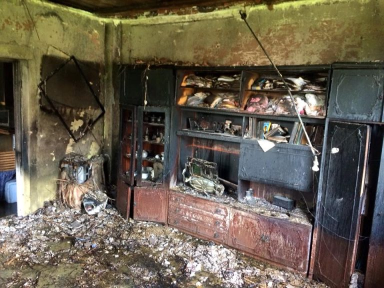 Sześć zastępów walczyło z ogniem. Płonął dom