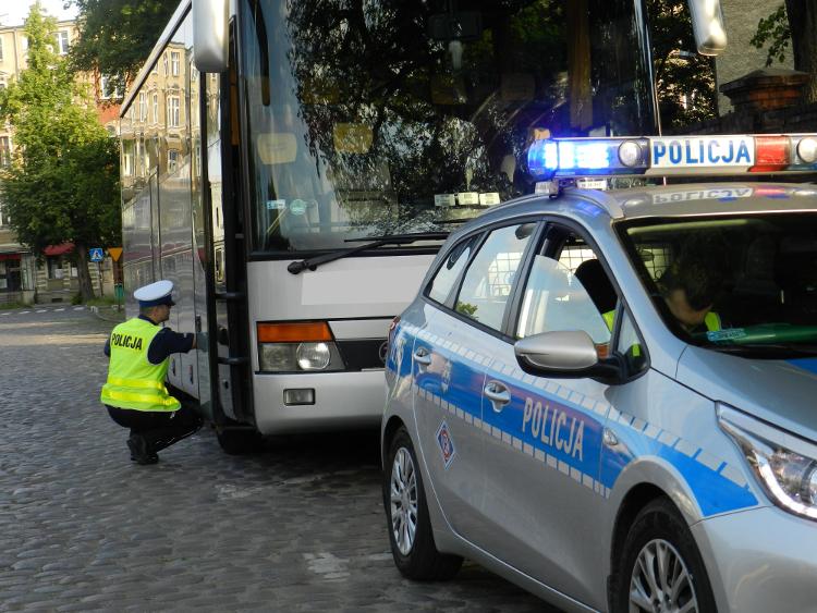 Uwaga! Policja sprawdza autokary
