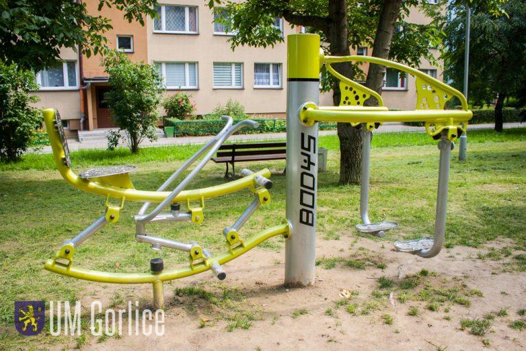 Otworzyli siłownię terenową na osiedlu Korczak