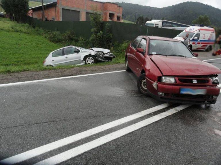 Wypadek na DK 75: trzy osoby poszkodowane