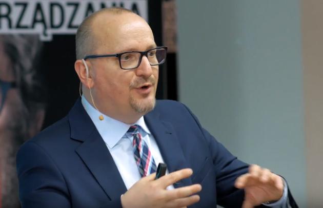 Głos Krzysztofa Głuca – języczkiem u wagi. Sądecki radny wyjaśnia swoje poparcie dla podwyżki opłat za wywóz śmieci