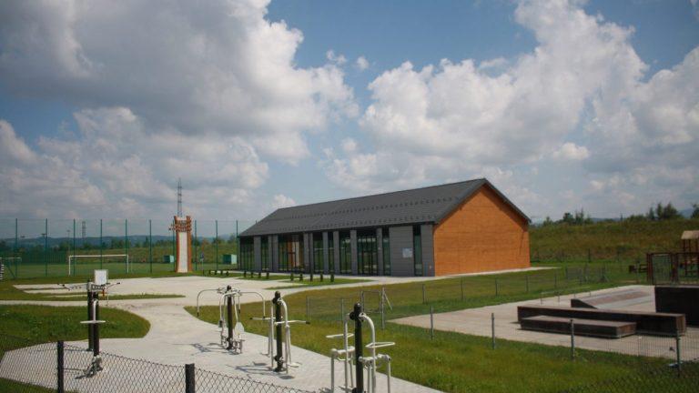 Centrum Aktywnego Wypoczynku w Świniarsku gotowe do odebrania!