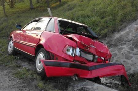 Kobieta w szpitalu po zderzeniu samochodu dostawczego i osobówki na DK28