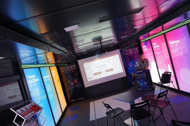 Nauka przez zabawę czyli Mobilne Centrum Edukacyjne dotarło do Nowego Sącza