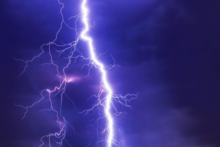 Synoptycy ostrzegają: dzisiaj znowu burze z gradem