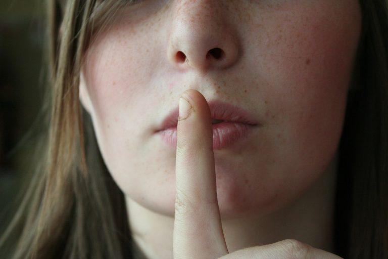 Cisza wyborcza ciszą, ale śledztwo śledztwem, czyli jak inwestować w czyjąś przegraną