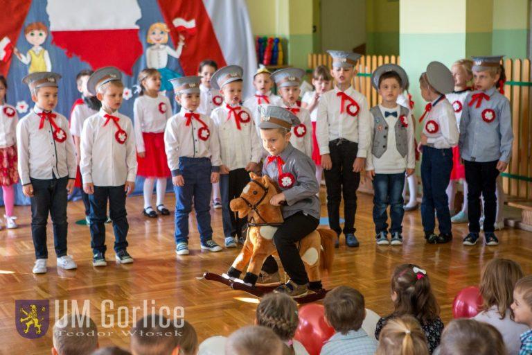 Przedszkolaki dały biało-czerwone show