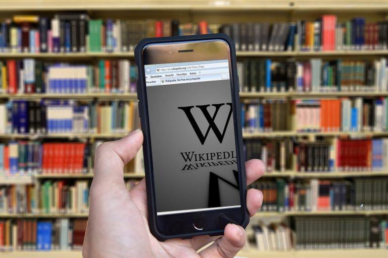 Poranny wpis w Wikipedii