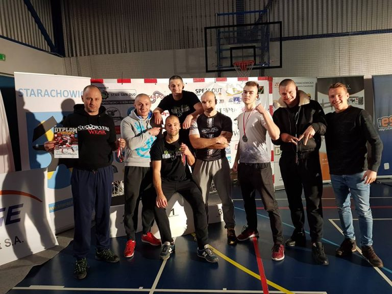 Kickboxing. Fight House z trzema medalami na mocno obsadzonym turnieju