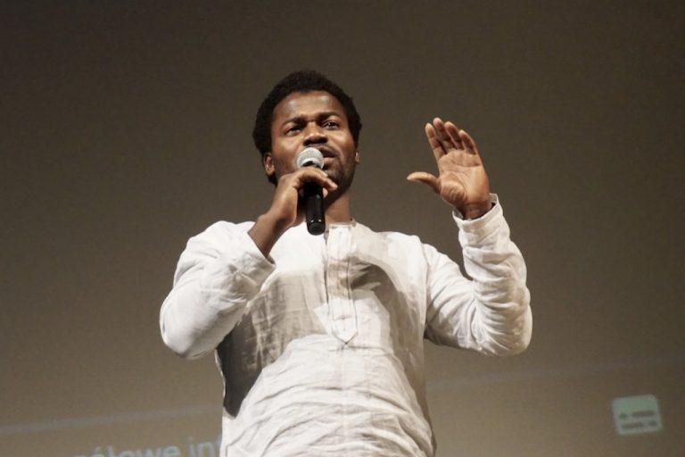 Adewale z Nigerii odwiedził sądeckich studentów Uniwersytetu III Wieku