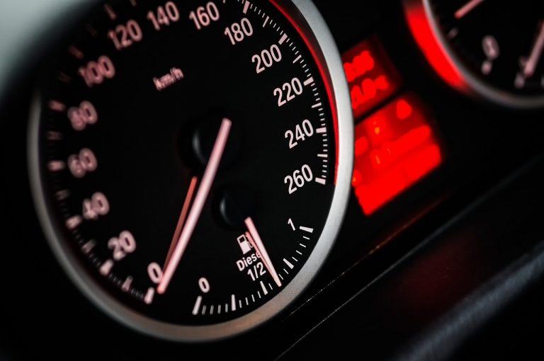 Na czerwonym świetle wyciągnęli pijanego kierowcę i wyłączyli silnik. Mężczyzna miał ponad 3,5 promila