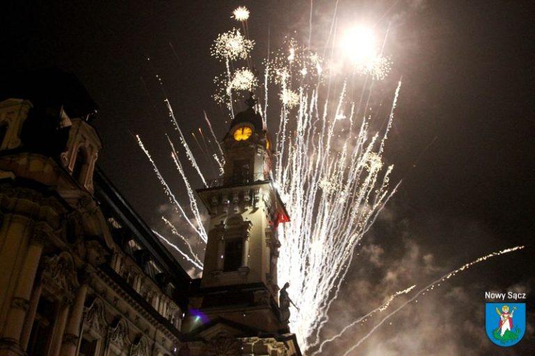 Nowosądeczanie powitali Nowy Rok z prezydentem i z Urszulą [FILM]