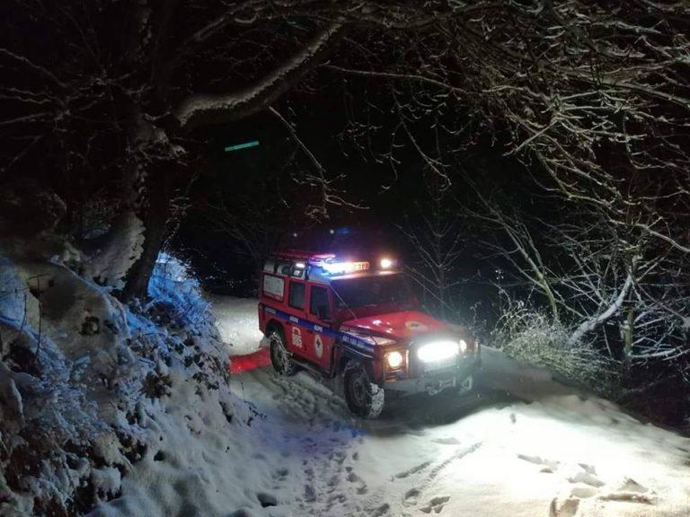 BESKID SĄDECKI: Turyści w śnieżnej pułapce. Goprowcy ratują na dwa fronty! [AKTUALIZACJA]