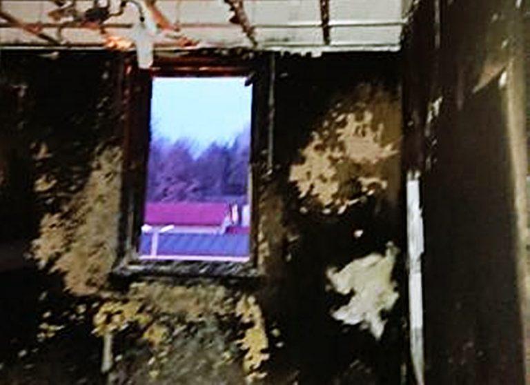 W Stróżach płonął budynek Dworca Kolejowego. Dwie osoby trafiły do szpitala