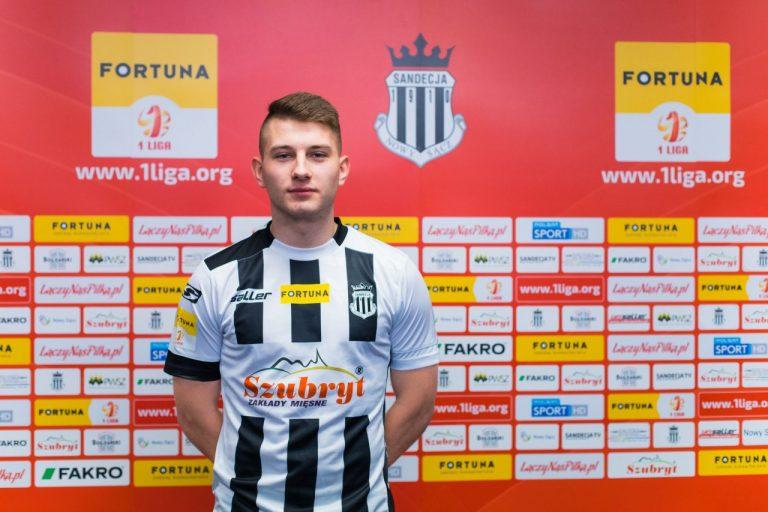 17-letni napastnik włączony do kadry pierwszego zespołu Sandecji!