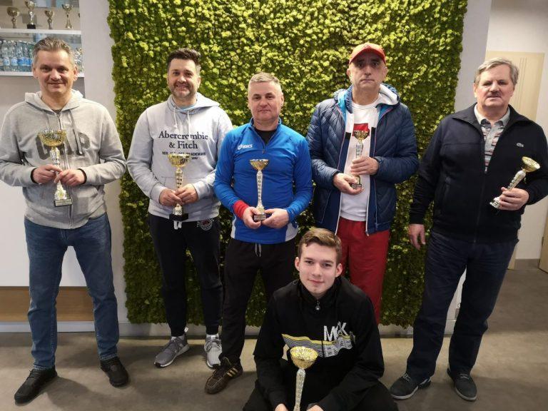 Tenis ziemny. Mężczyźni zagrali w debla na kortach STT Fakro