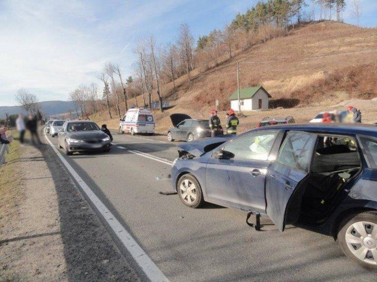 Audi kontra Skoda na DK 75. Trzy osoby poszkodowane