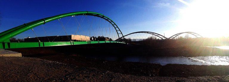 Nowy odcinek Velo Dunajec prawie gotów! A nad nim… tajemnicze światło na niebie