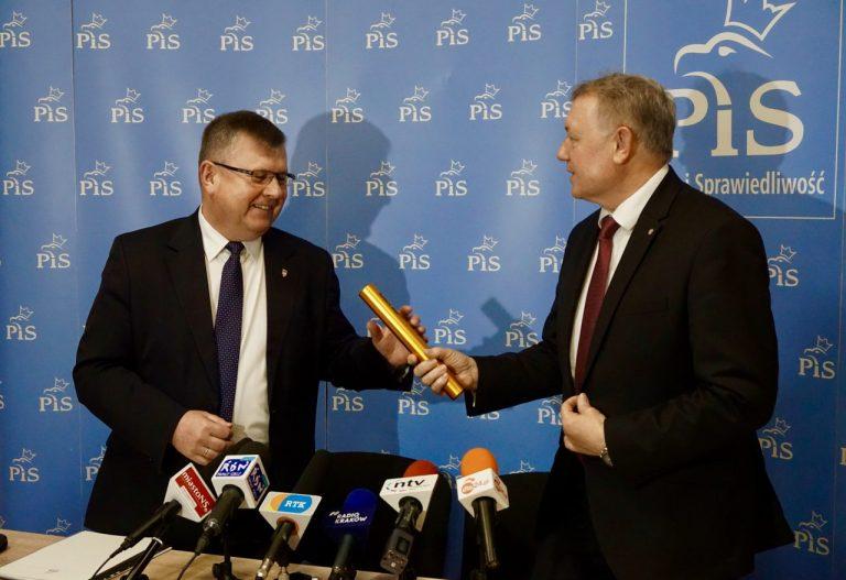 Janczyk przekazał pałeczkę Kozłowskiemu. Zawieszeni będą odwieszeni…