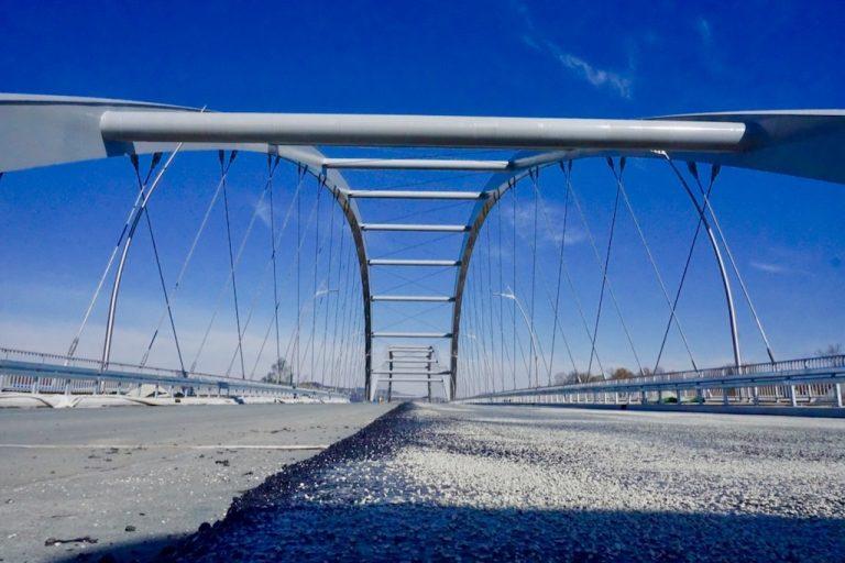 Na moście heleńskim leją asfalt! [ZDJĘCIA]