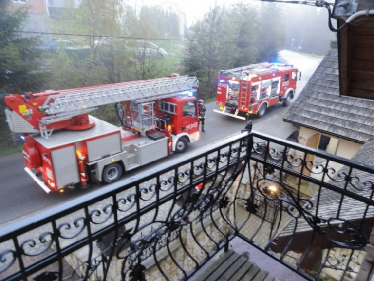 O krok od tragedii. W drewnianym domu wybuchł pożar