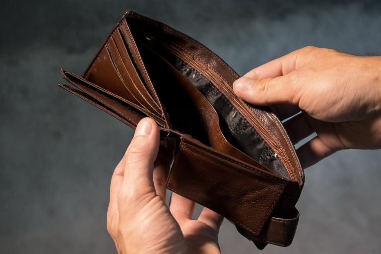 Uwaga! Znaleziono dużą sumę pieniędzy. Kto zgubił?