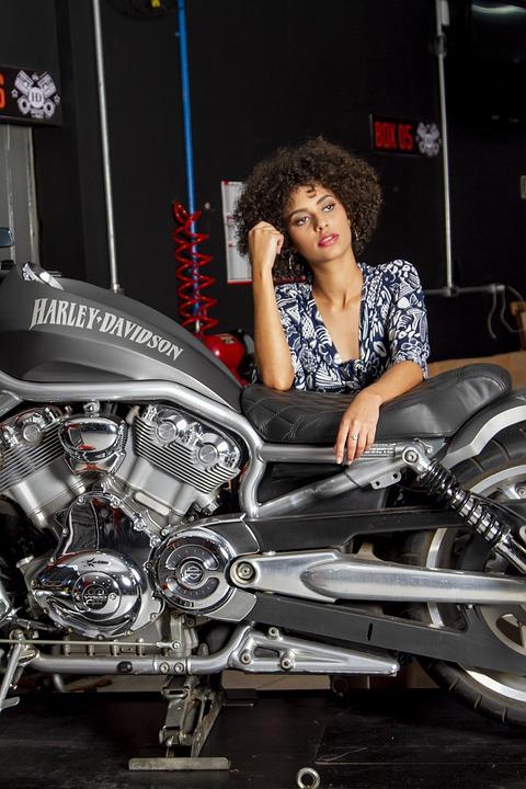Nowy Sącz: motocykle, wyrąbane burgery i 4 Szmery z ciągnika