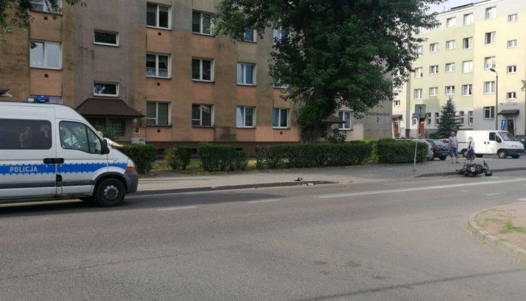 Strażnicy graniczni w drodze do pracy zobaczyli leżącego na jezdni motocyklistę