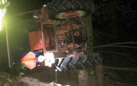 Librantowa: człowiek przygnieciony przez traktor. W akcji śmigłowiec LPR