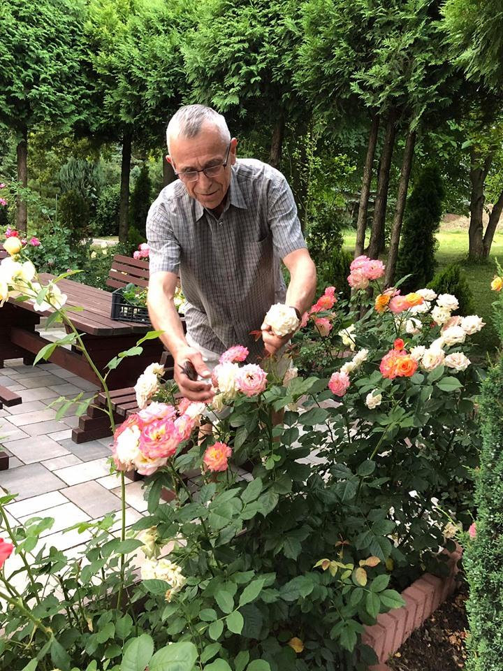 Brukowiec Sądecki donosi: Wierny ogrodnik