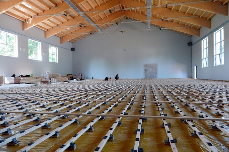 Stary Sącz: hala sportowa przy LO już niemal gotowa [zdjęcia]