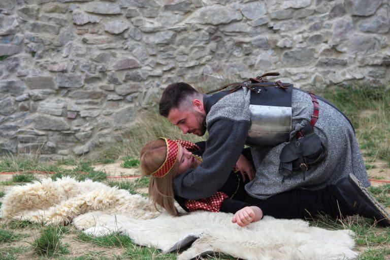 Na zamkowe wzgórze w Rytrze wrócili rycerze i damy…