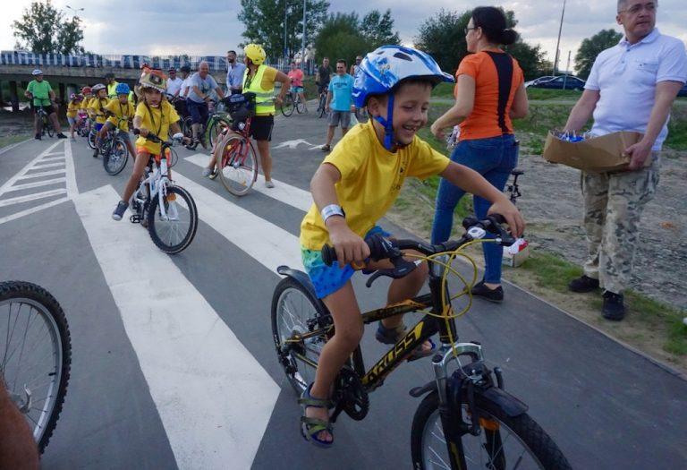 3,2,1… Start! Ścieżka pieszo-rowerowa oficjalnie otwarta. Jest szansa na jej przedłużenie do Kamionki… [ZDJĘCIA]