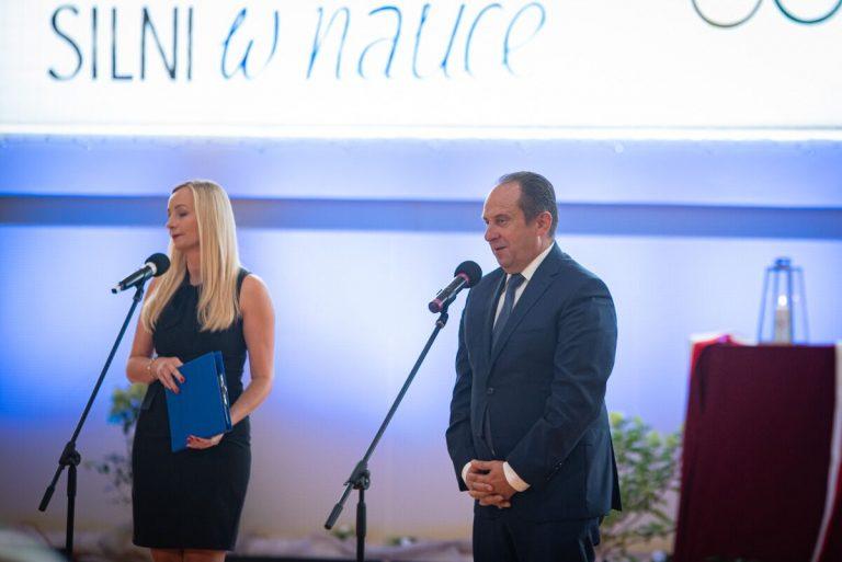Wicepremier otworzył halę sportową w Starym Sączu