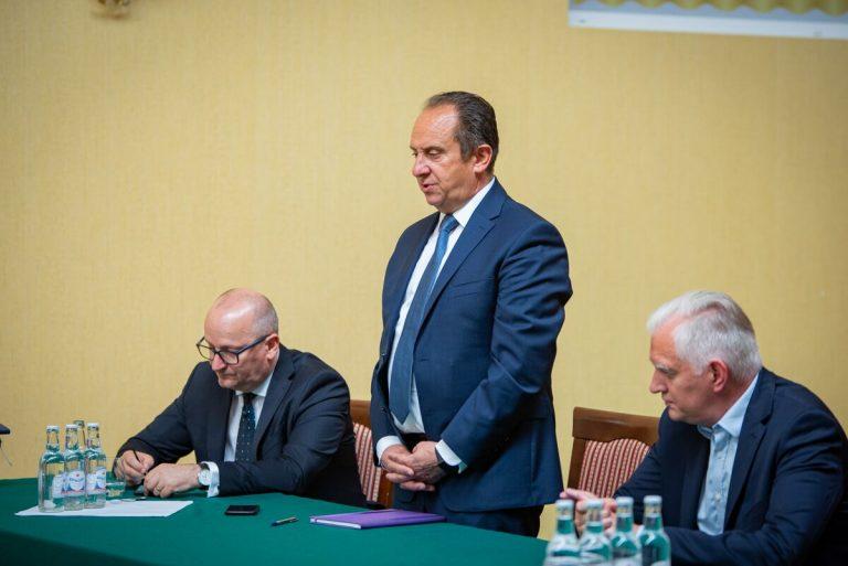 Jarosław Gowin i Gut Mostowy spotkali się z przedstawicielami branży transportowej