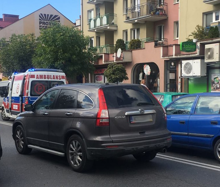 Z ostatniej chwili: Nowy Sącz, ul Lwowska: pieszy potrącony przez samochód