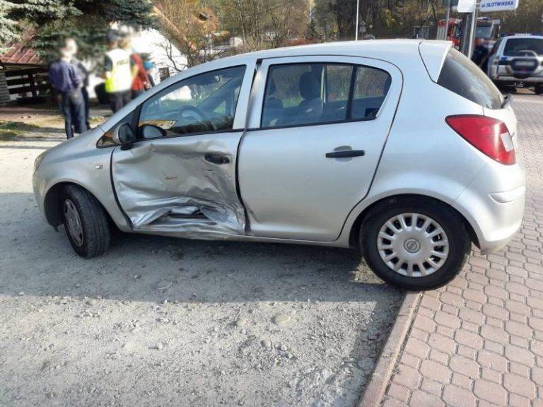 Krynica-Zdrój: zderzenie osobówek. Dwie osoby w szpitalu