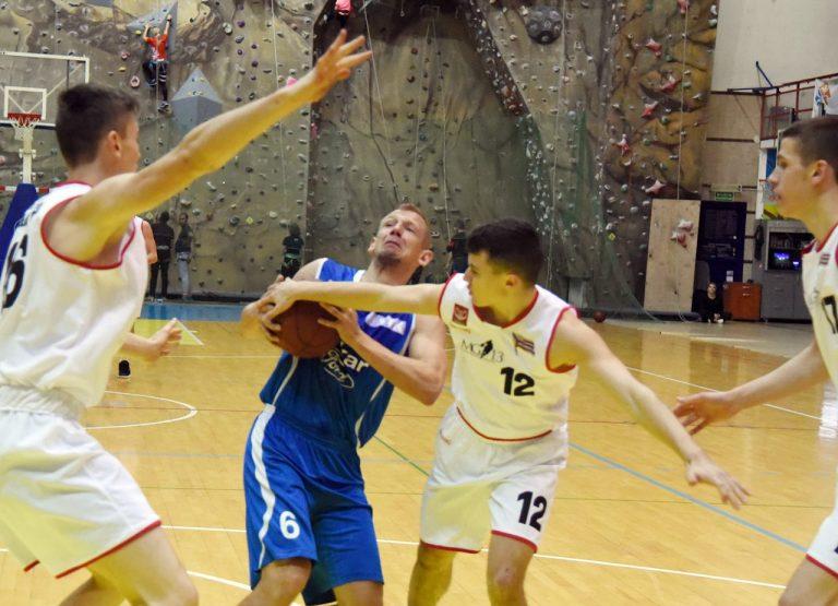 Porażka sądeckich koszykarzy