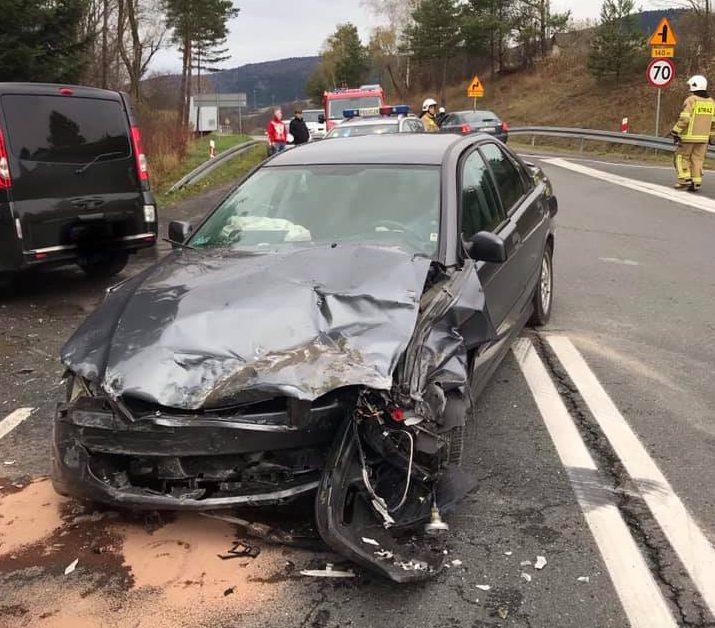 ŁABOWA: wypadek. Trzy osoby ranne