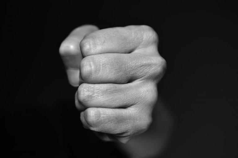Sprawcy przemocy w rodzinie często są w stanie nietrzeźwości