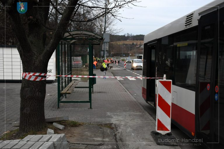Remontowany chodnik na Nowochruślickiej obok Lidla wkrótce będzie gotowy