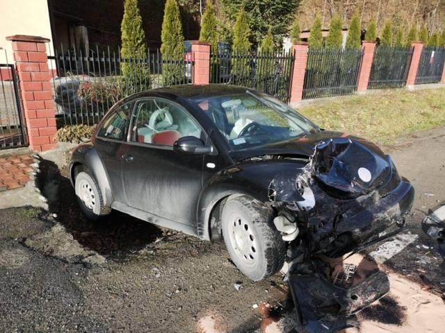 Nowy Sącz: zderzenie dwóch samochodów. Cztery osoby poszkodowane